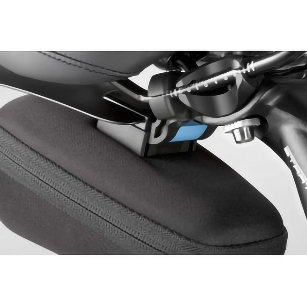 saddle bag for mudguard T7000 and T7050